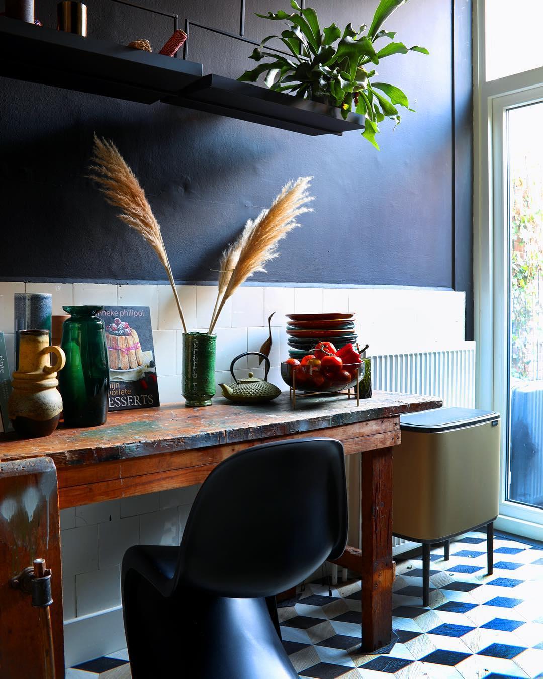 style éclectique cuisine bleu blanc vintage - blog déco - clem around the corner