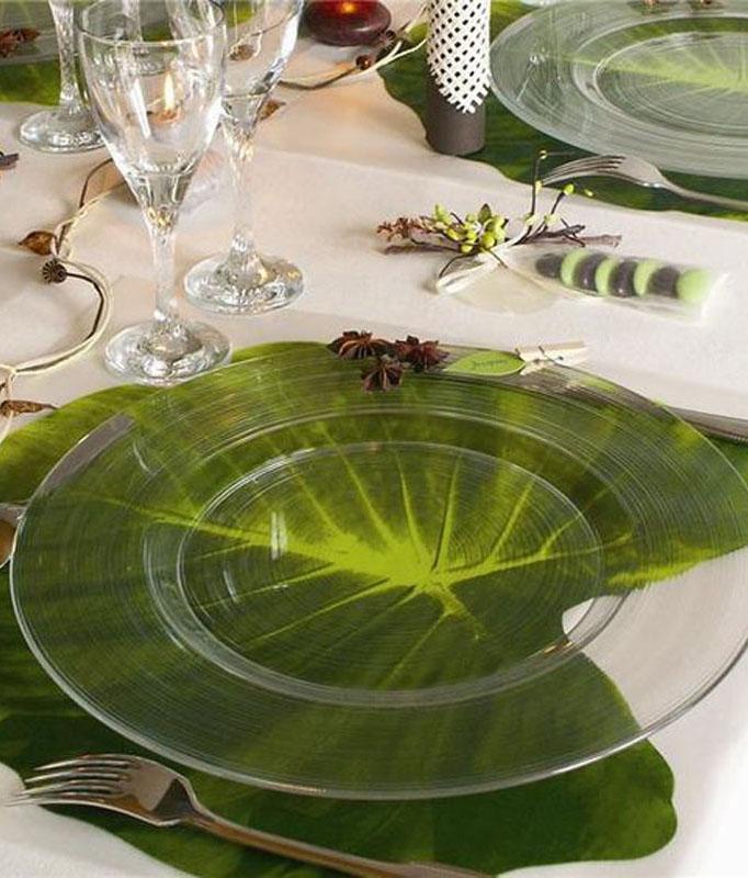 table style jungle rustique set table feuille végétale assiette verre rond - blog déco - clem around the corner