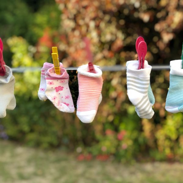 étendre son linge avec style chausettes exterieur tancarville chic - blog déco - clem around the corner