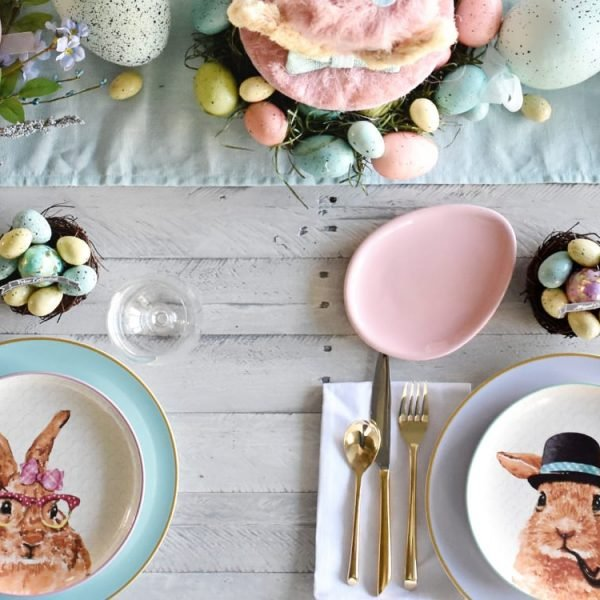 table de Pâques pastel assiette lapin - blog décoration - clem around the corner
