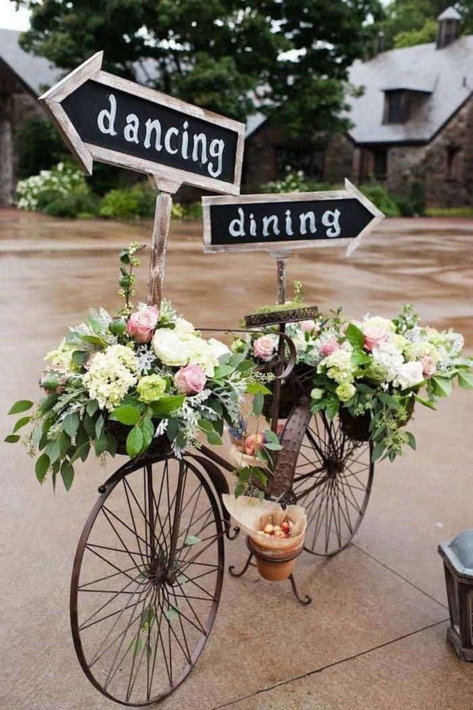 déco vélo mariage métal marron bouquet fleurs marron - blog déco - clem around the corner