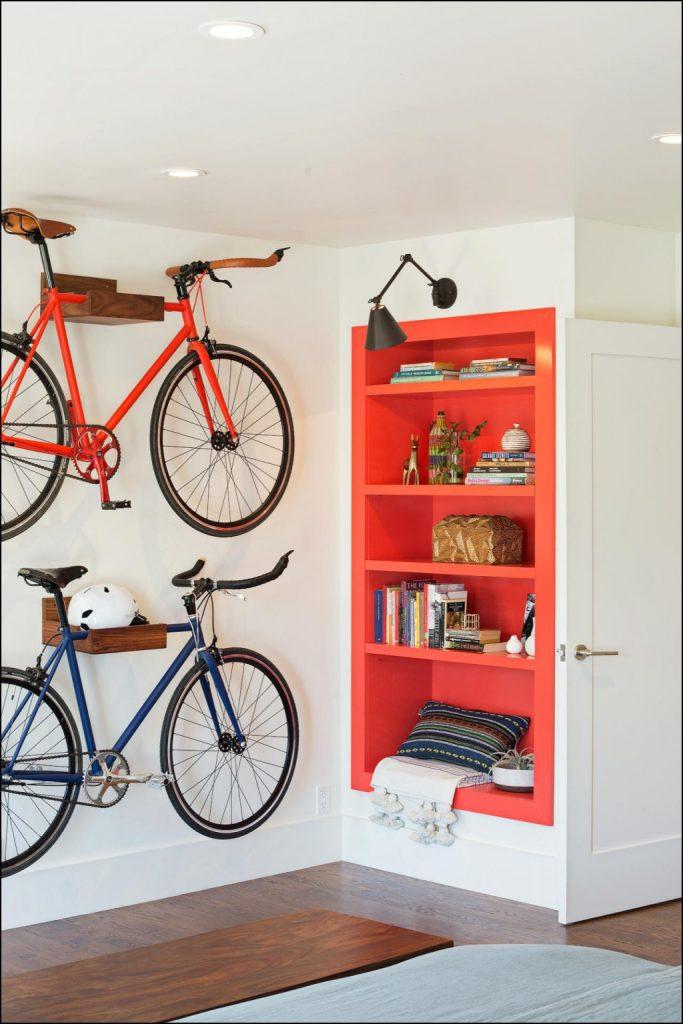déco vélo chambre orange rangement astuce - blog déco - clem around the corner