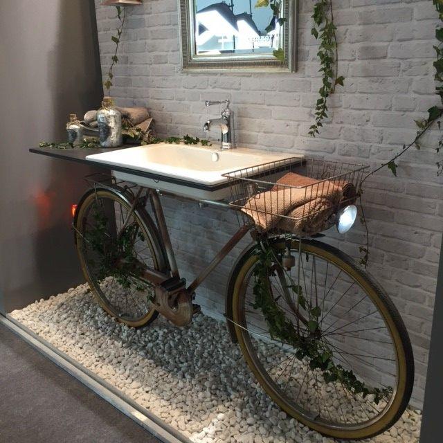 déco vélo salle de bain vasque jardin - blog déco - clem around the corner