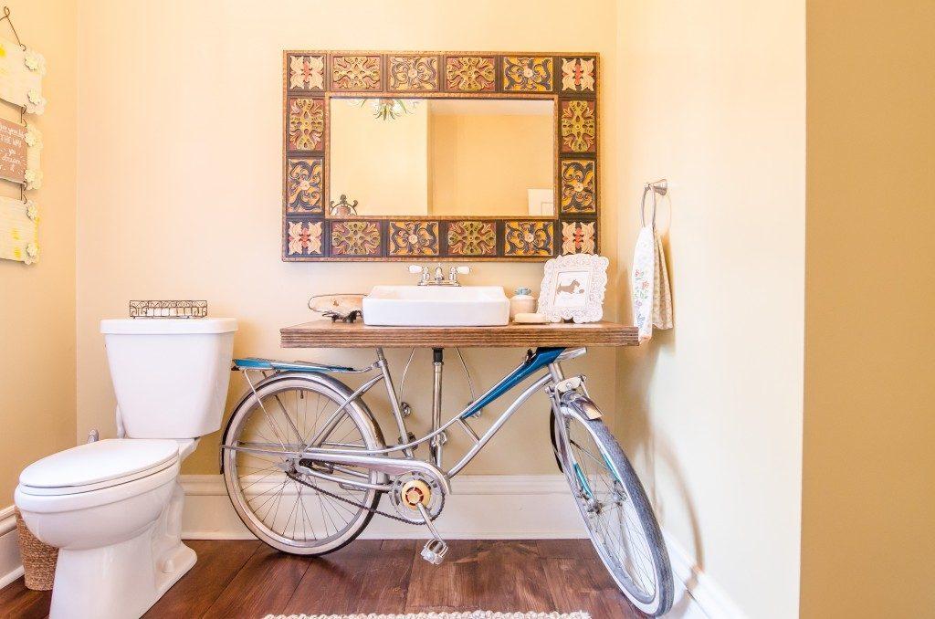 déco vélo salle de bain marron carreaux - blog déco - clem around the corner