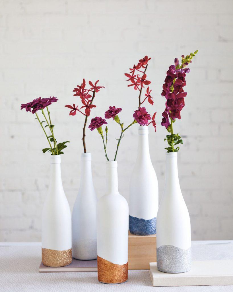 idée déco récup bouteille fleurs - blog déco - clem around the corner