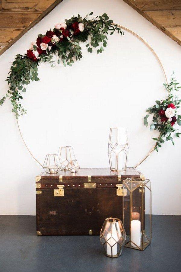 mariage boho boheme décor malle vintage lanterne laiton - clem around the corner