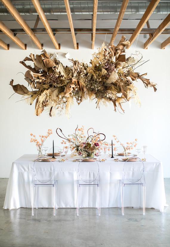 suspension arche bouquet fleurs séchées diner romantique