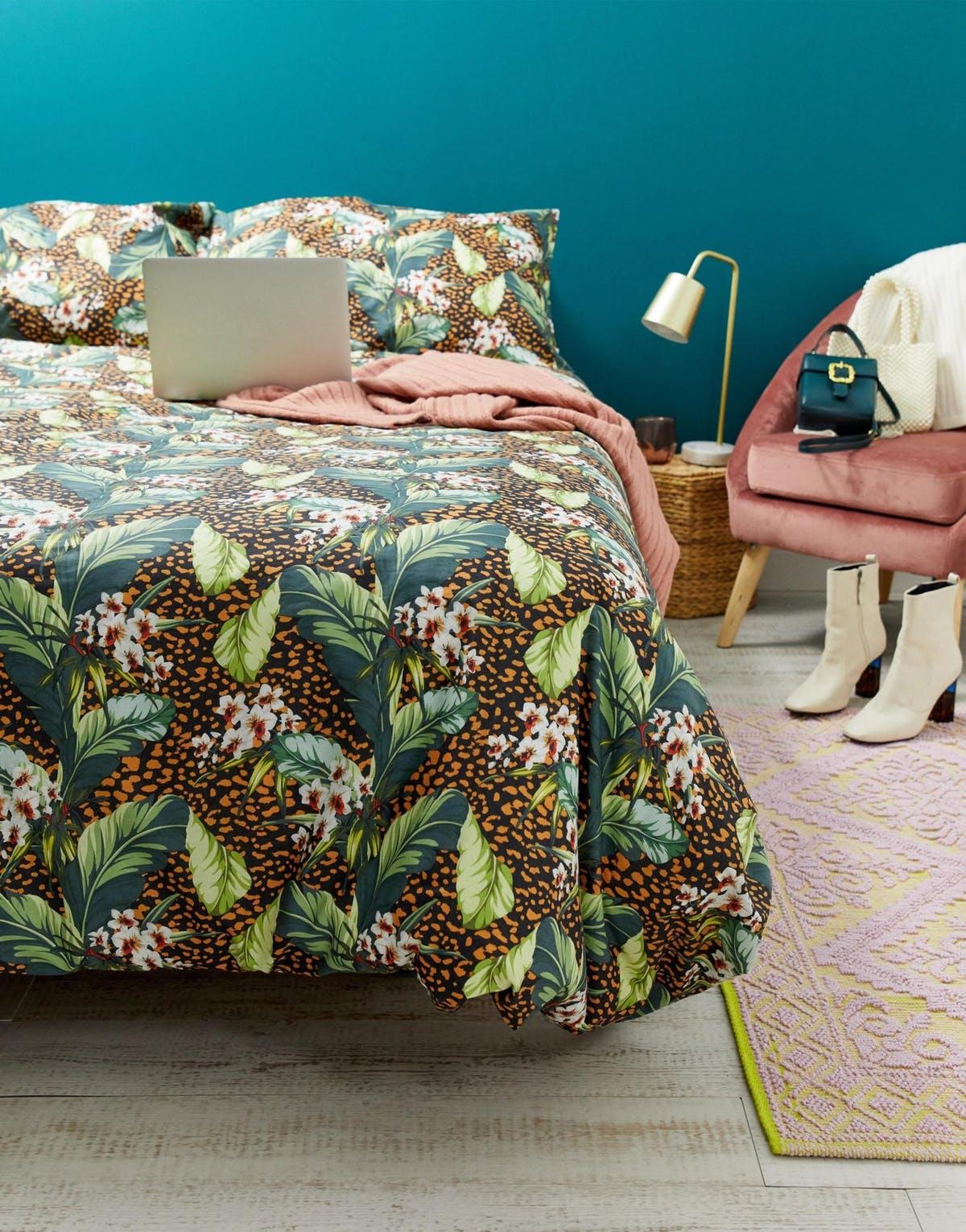 clemaroundthecorner linge de lit imprimé végétal vert déco Asos