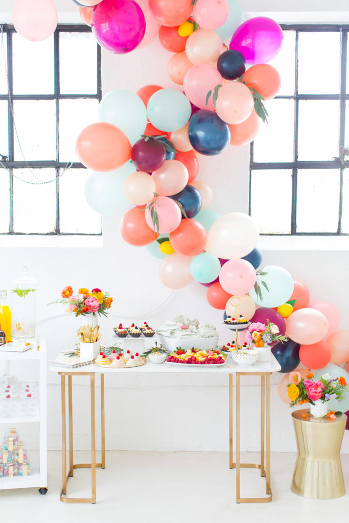 guirlande de ballon couleur élégante fête diy - blog déco - clem around the corner