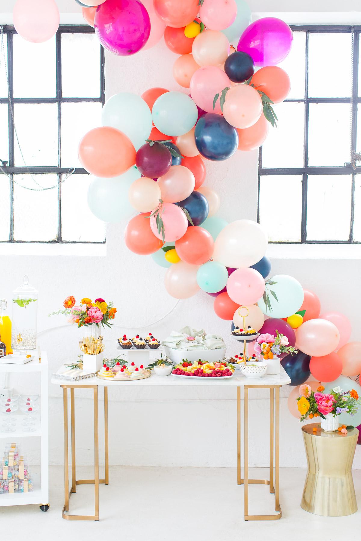 guirlande de ballon couleur élégante fête diy - blog déco - clem around the corner