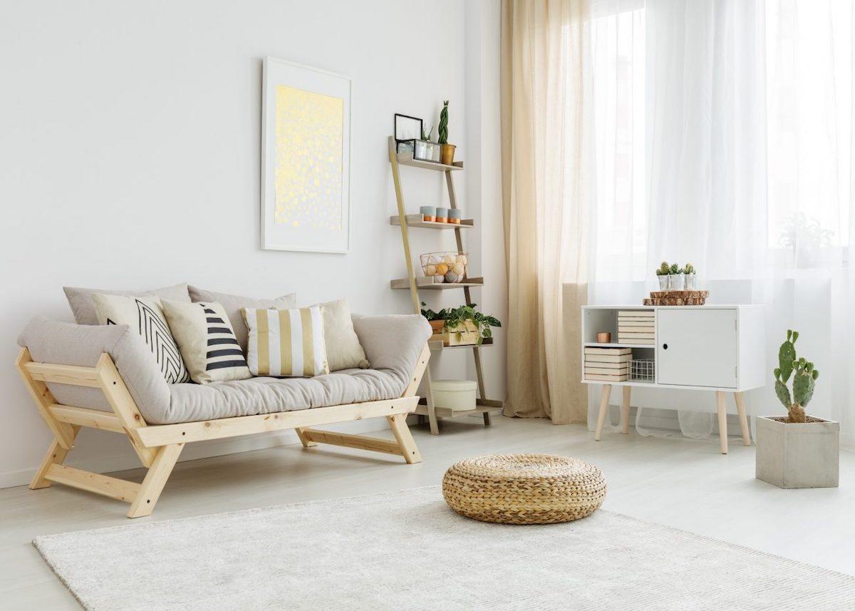 salon blanc épuré lumineux coussin de sol rotin tendance déco scandicraft clemaroundthecorner