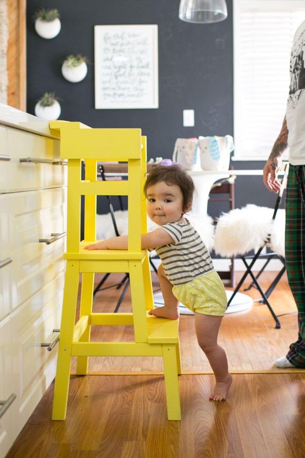 escabeau bois jaune marche-pied ikea hack enfant cuisine chaise haute à fabriquer soi-même