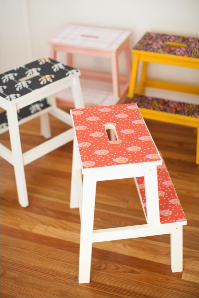 marche pied ikea tabouret blanc rouge jaune style vintage printemps - blog déco - clem around the corner