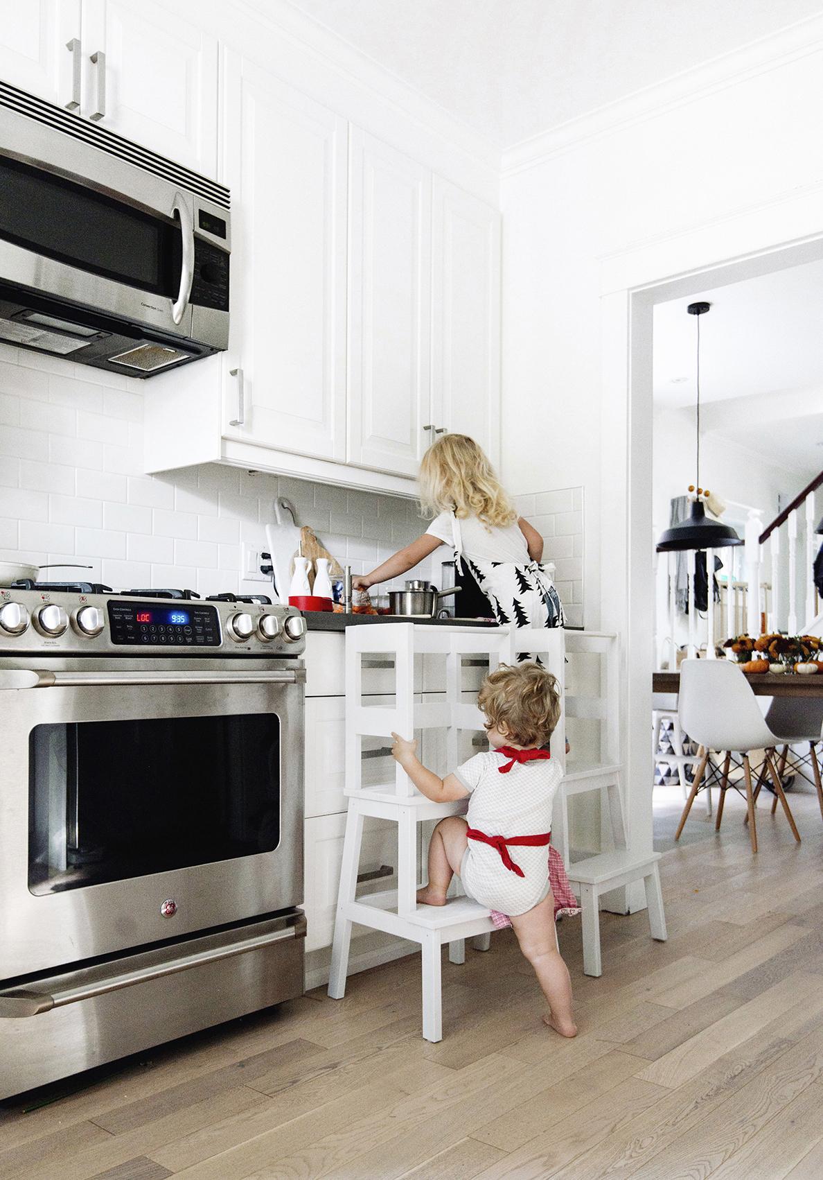 escabeau blanc bois pour enfant ikea hacks mobilier personnalisé cuisine - blog clemaroundthecorner