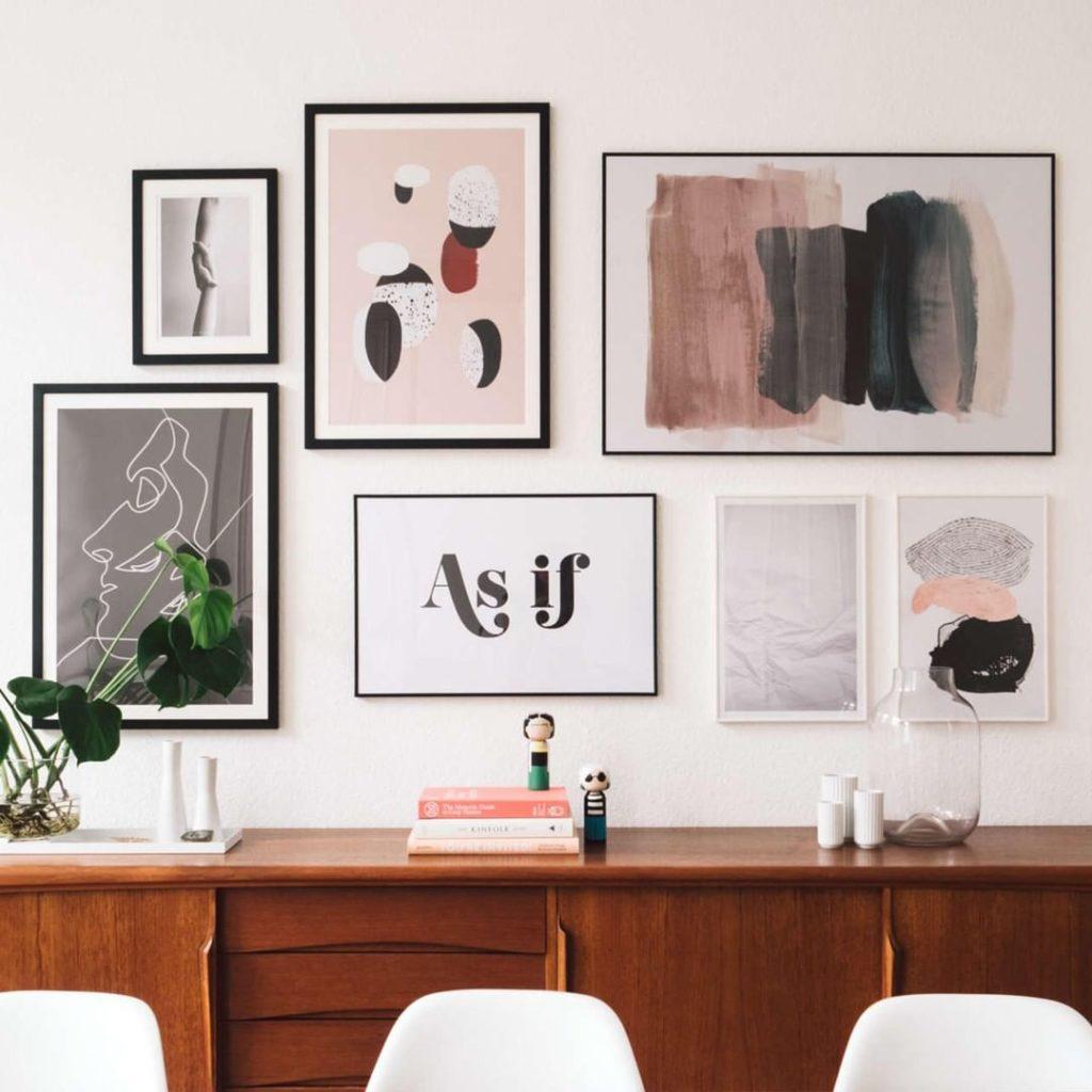 réussir conseil mur de cadre pastel - blog déco - clem around the corner