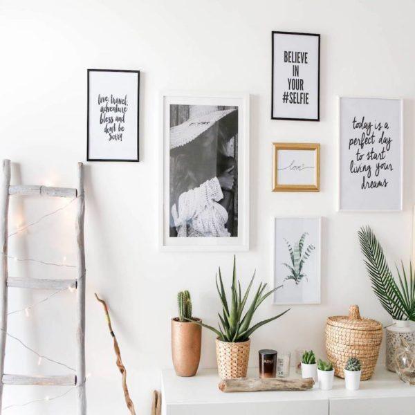 mur de cadre échelle bois blanc guirlande lumineuse style scandi - blog déco - clem around the corner