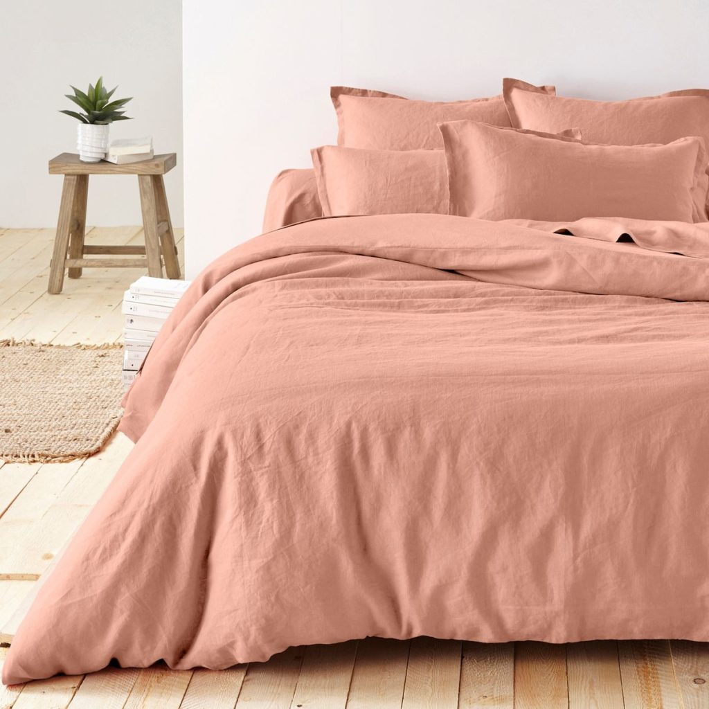 déco rose blush chambre parquet tabouret bois - blog décoration - clem around the corner