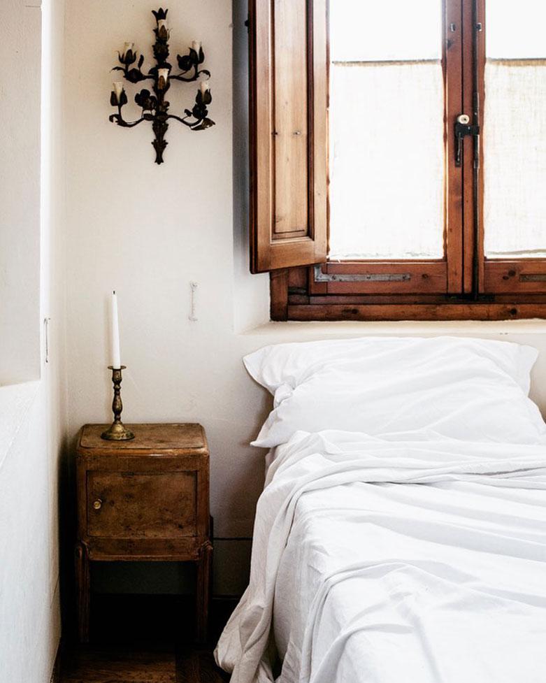 maison style italien chambre enfant bois vintage lit simple blanc - blog déco - clem around the corner