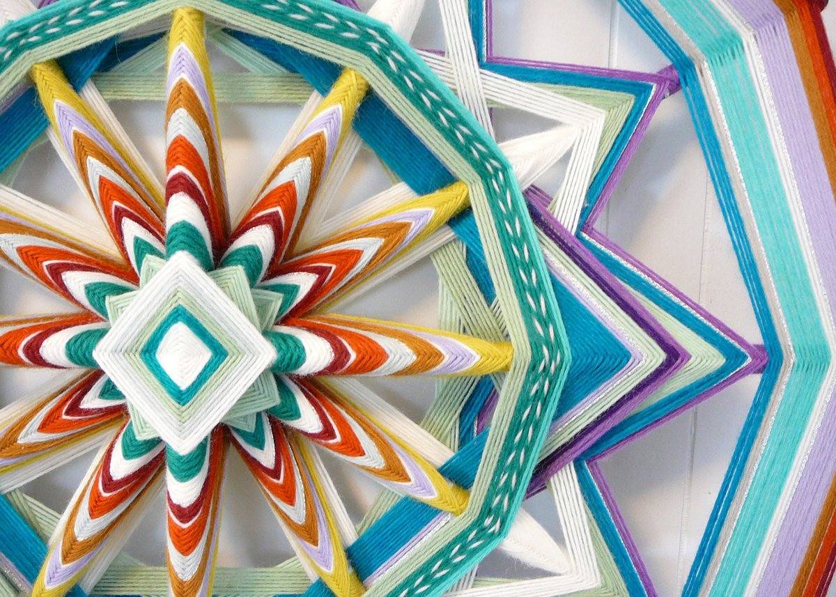 ojos de dios diy mandala laine couleurs coloré - blog déco - clem around the corner