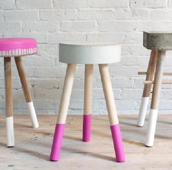 tabouret en béton diy mur briques blanc assise ronde rose - blog déco - clem around the corner