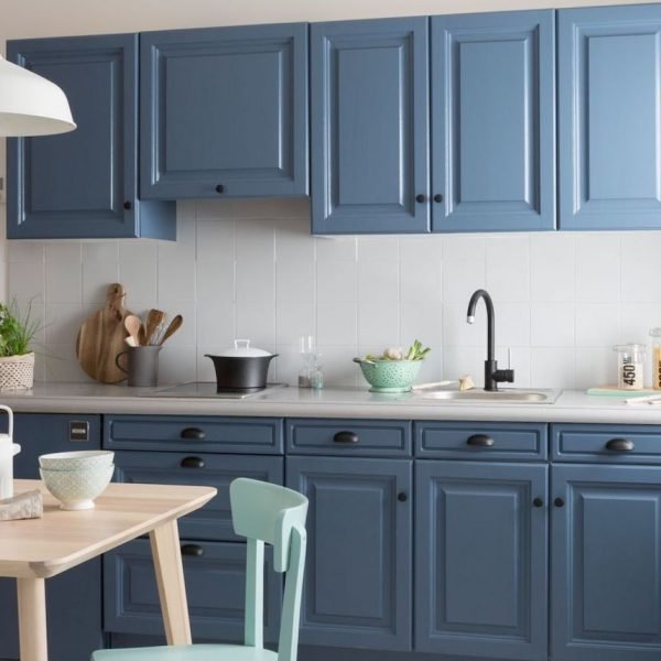 cuisine bleue design avec placards bois style scandinave cover - blog déco - clem around the corner