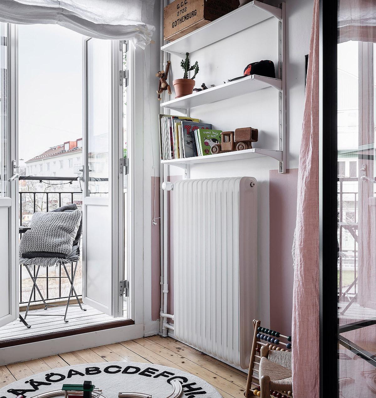papier peint chambre enfant rose tapis rond balcon style scandinave - blog déco - clem around the corner