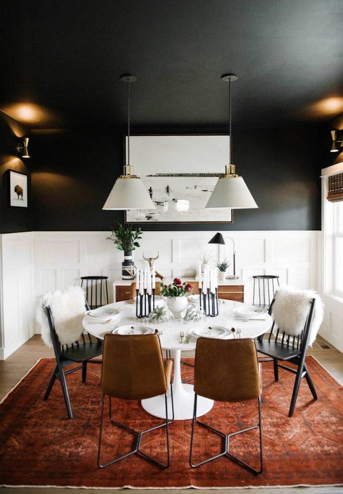 plafond noir salle à manger symétrique original décoration - blog déco - clem around the corner