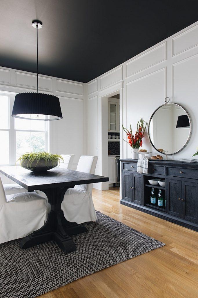 plafond noir salle à manger salon murs blancs - blog déco - clem around the corner