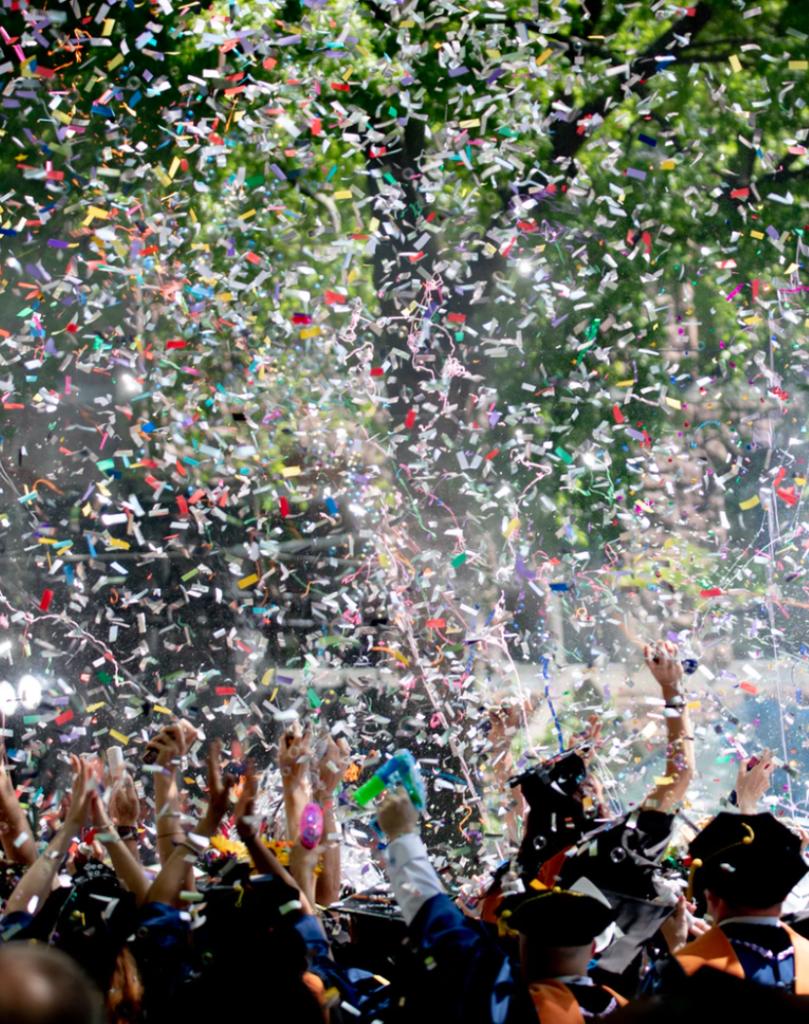 fête d anniversaire thème fête foraine confettis rire - blog déco - clemaroundthecorner