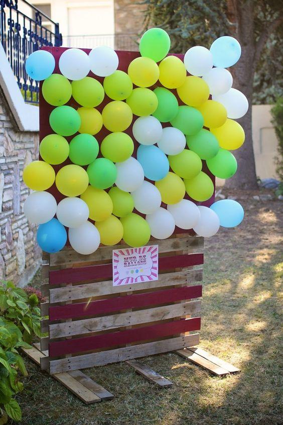 jeu ballon fléchettes planche en bois activité mariage enfant extérieur ballon