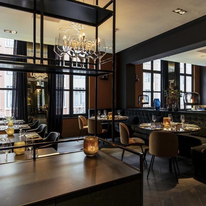 bar restaurant marron feutré style américain