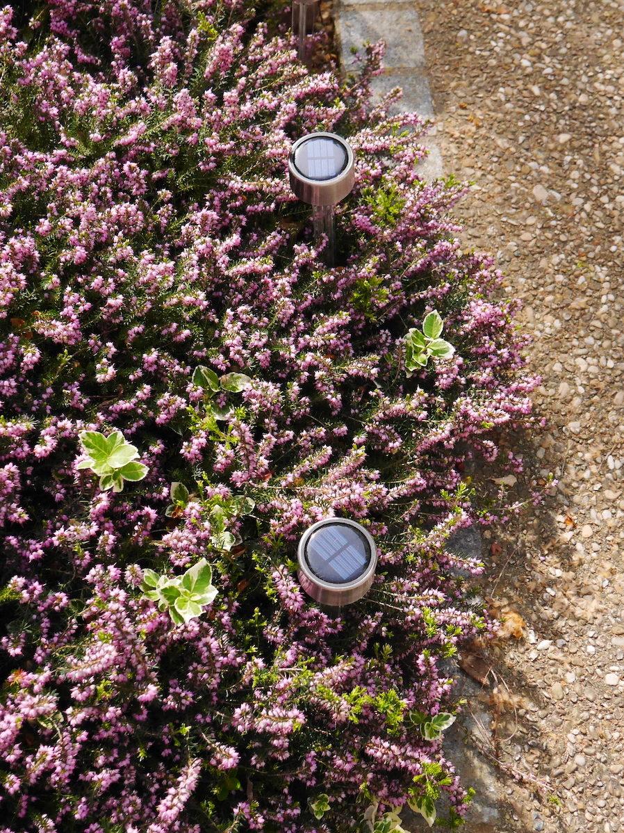 balises lumineuses solaires pour extérieur jardin terrasse balcon - blog déco - clemaroundthecorner