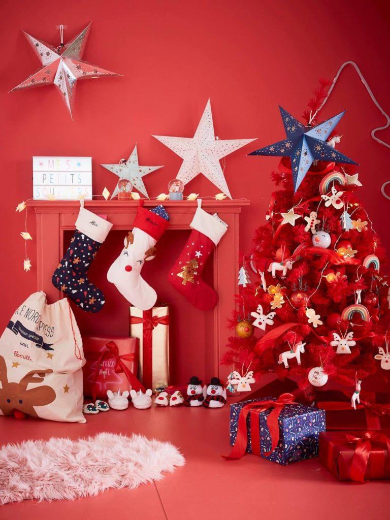 clemaroundthecorner salon rouge esprit noël lampe papier étoile blanche