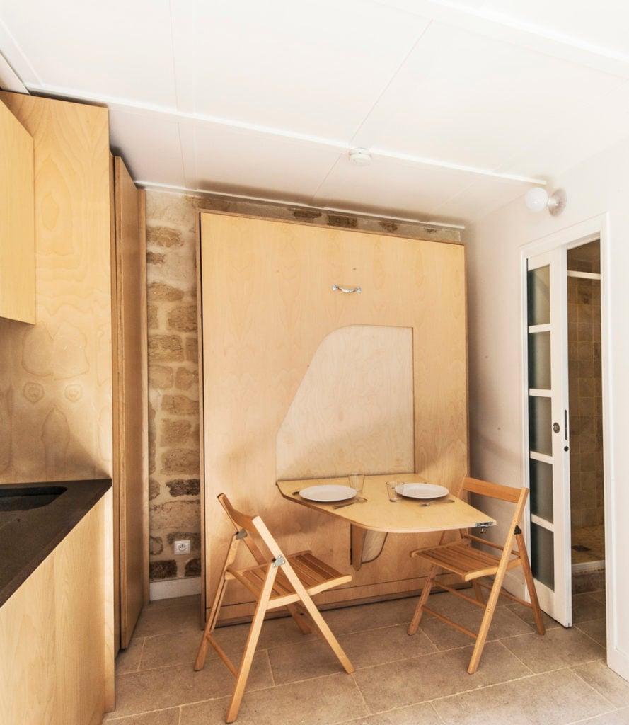 Rénovation studio 12m2 cuisine ouverte table dépliante - blog déco - clemaroundthecorner
