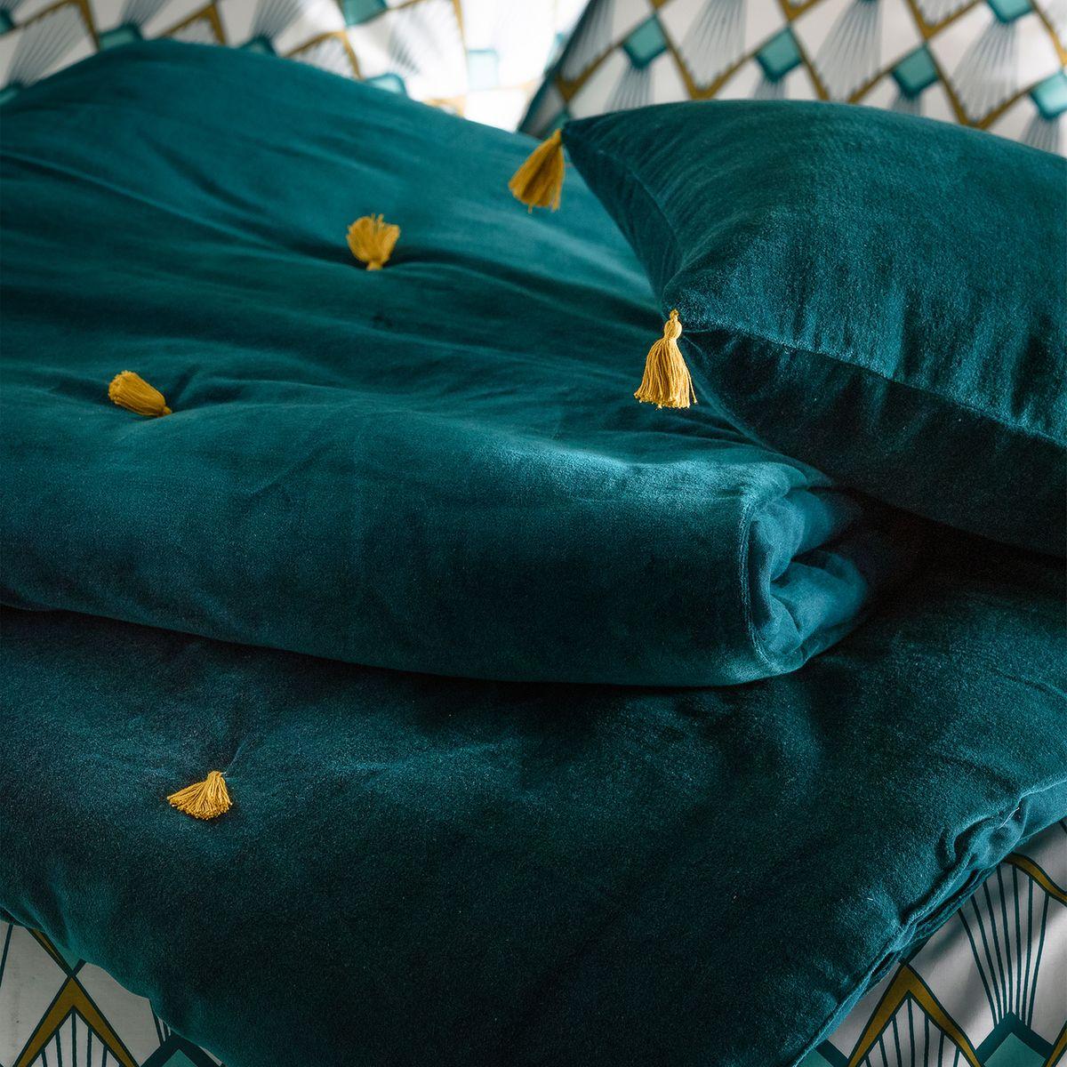 blog déco linge de lit plaid bleu canard pompon doré