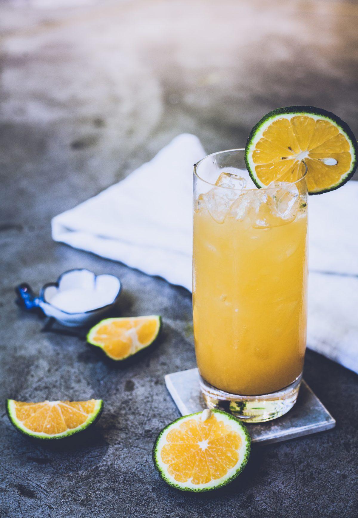 centrifugeuse jus fruit orange citron vert presse agrume extracteur de jus recette mocktail