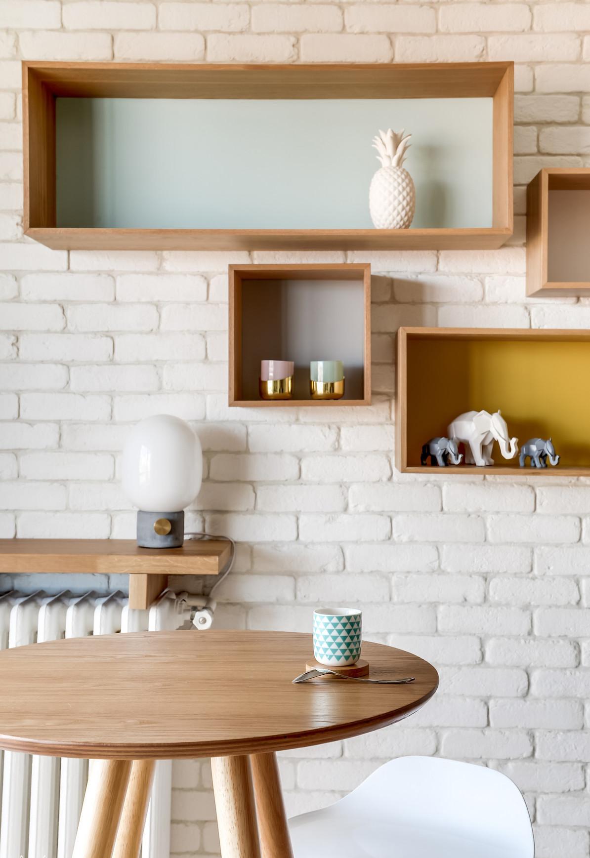 blog déco séjour mur briques stylé industriel table haute ronde