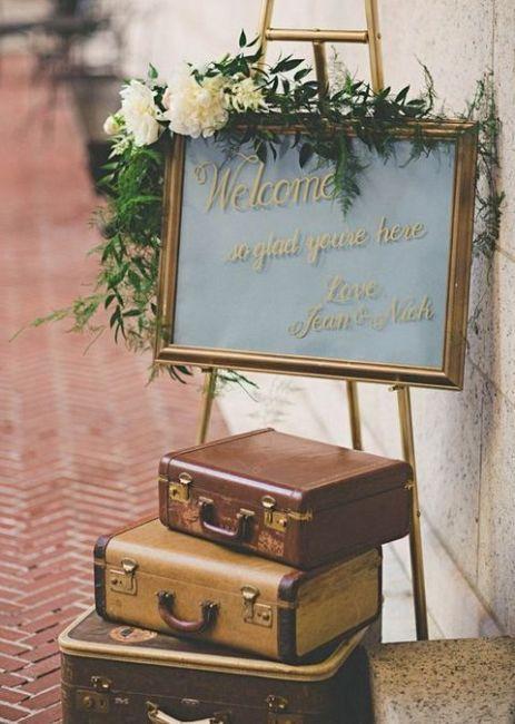 panneau pancarte d arrivée idée déco mariage thème voyage valise bagage - blog déco - clemaroundthecorner