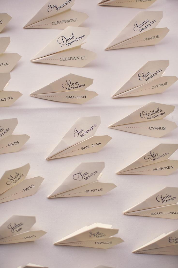 marques-place avion en papier Mariage Autour du monde thème voyage déco décoration