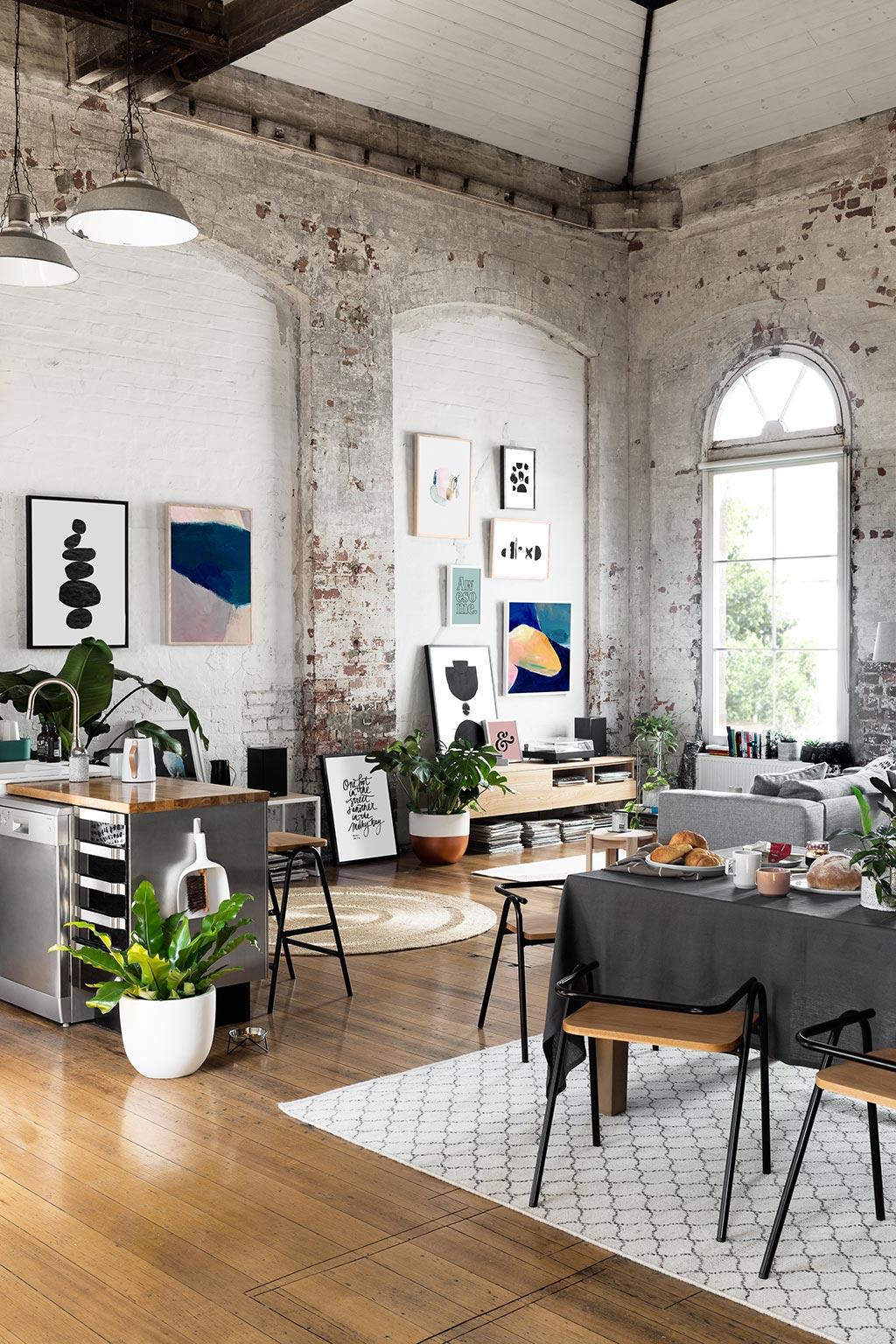 blog déco loft australien style industriel parquet bois mur pierre tapis berbère