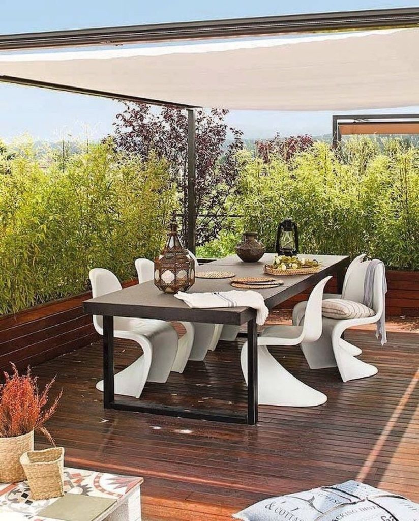 chaise panton design iconique danois outdoor terrasse bois jardin estivale table métal clemaroundthecorner