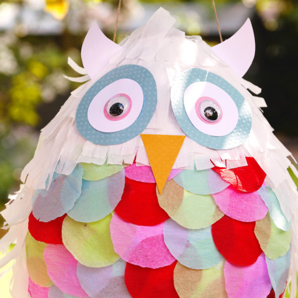 diy piñata facile forme hibou décoration originale anniversaire - blog déco - clem around the corner