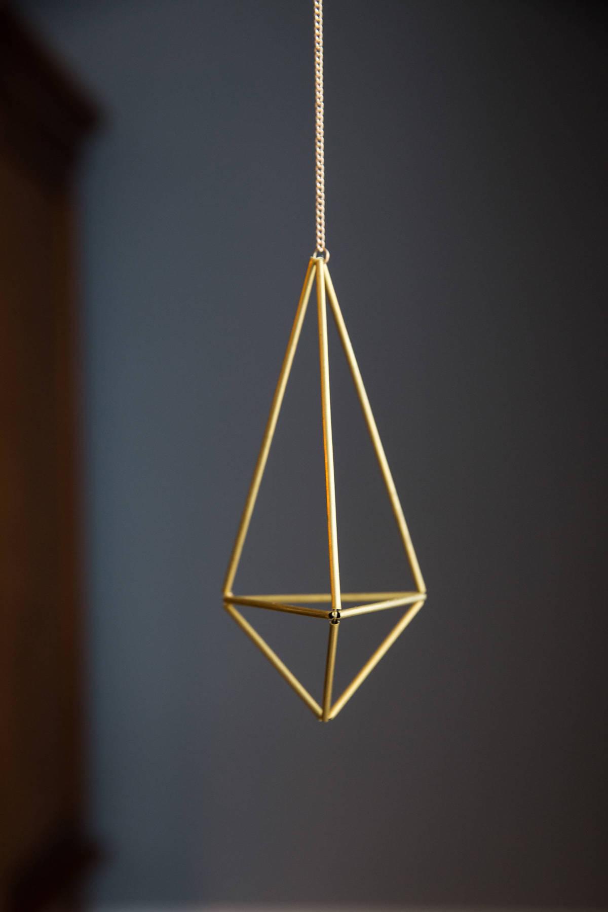 himmeli diy suspension doré géométrique diamant déco suspendue mur noir