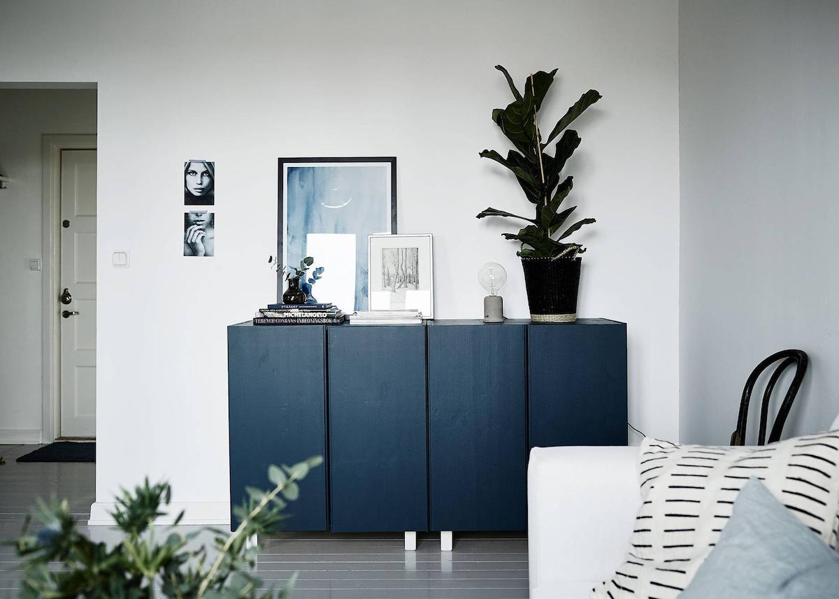 ikea hack ivar personnalisation facile bricolage meuble bleu salon élégant blog déco clemaroundthecorner