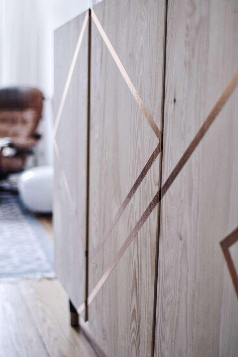 blog déco diy commode bois scotch doré géométrique déco salon élégant