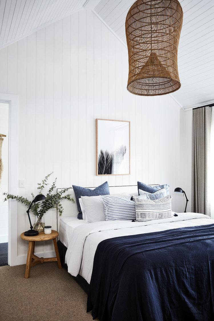 clemaroundthecorner chambre blanche esprit vacances bord de mer tabouret bois
