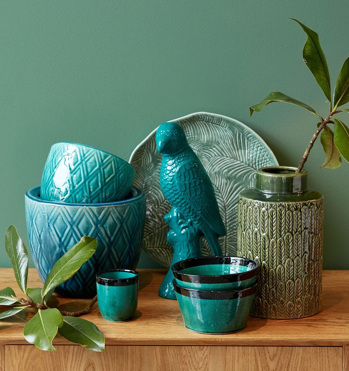 blog déco ustensiles cuisine tasses bols vase moules bleu