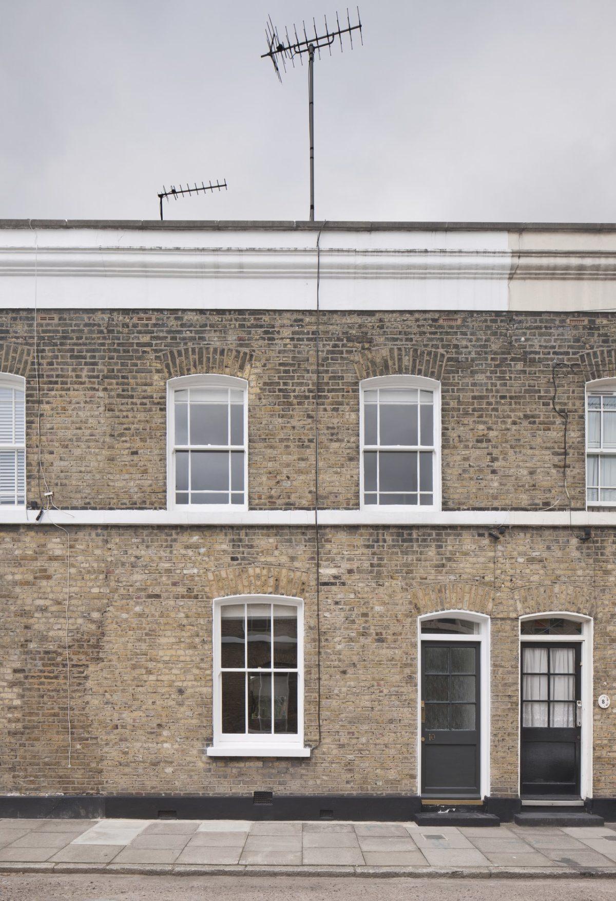 Façade briques maison londonienne rénovation tendance - blog déco - clemaroundthecorner