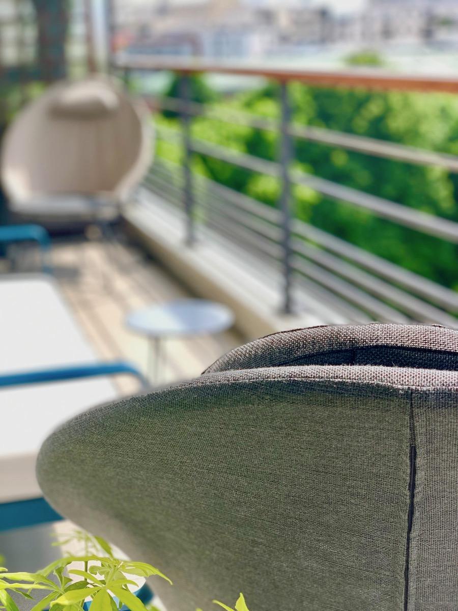 fauteuils Lafuma balcon terrasse tendance design plante verte verdure - blog déco - clematc