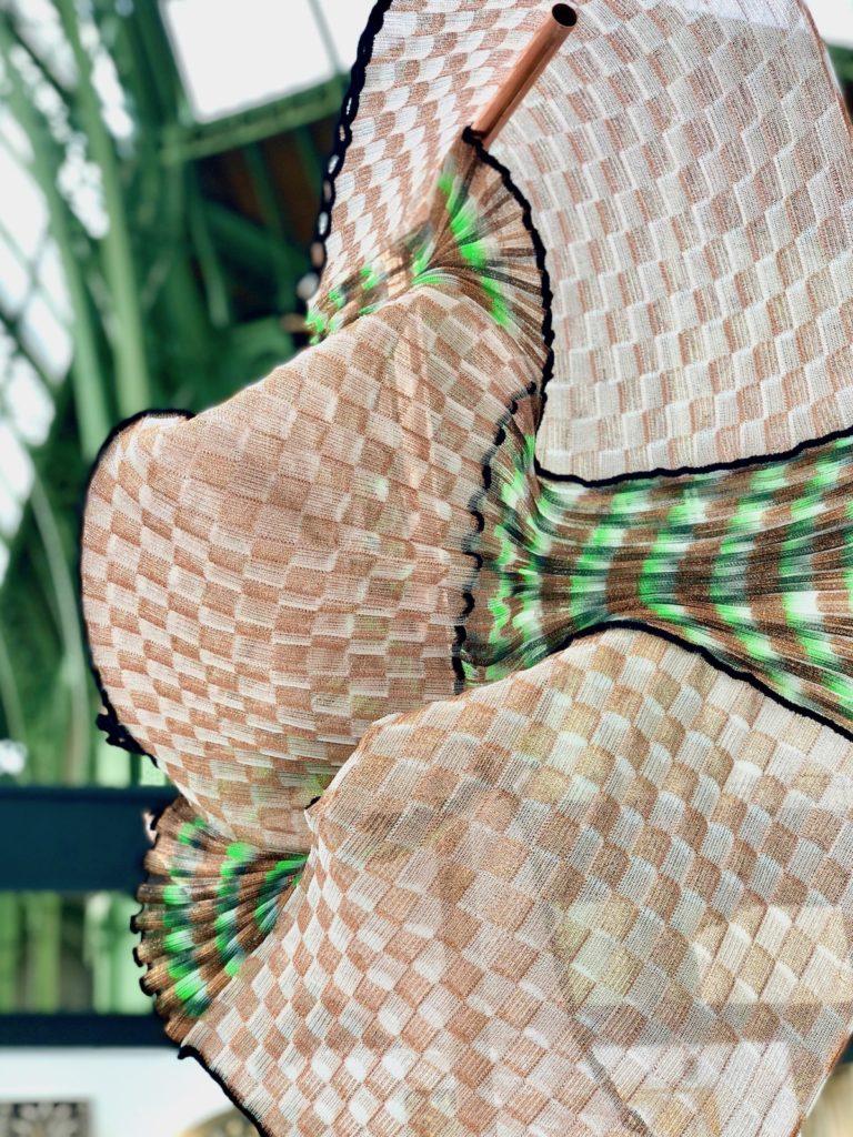 sculpture salon r4 révélations édition 2019 grand palais tube cuivre tricot